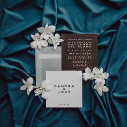 Invitaciones colección black minimal, diseños exclusivos